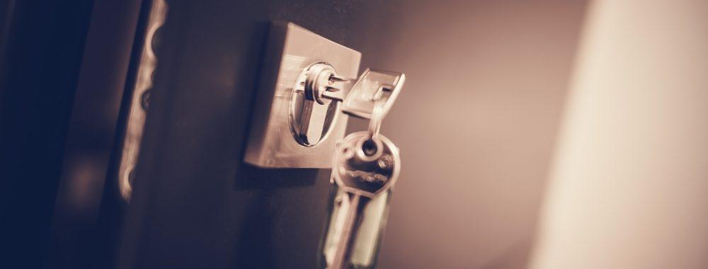 ajtónyitás, ajtónyitás Szolnok, zárszerviz, zárszerviz Szolnok, zárszervíz, zárszervíz Szolnok